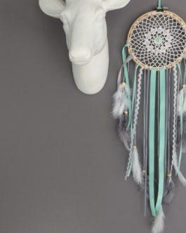Attrape-rêves Dreamcatcher en dentelle au crochet, coloris mint, blanc et gris