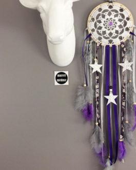 Attrape rêves Dreamcatcher en dentelle au crochet, coloris violet et gris avec étoiles