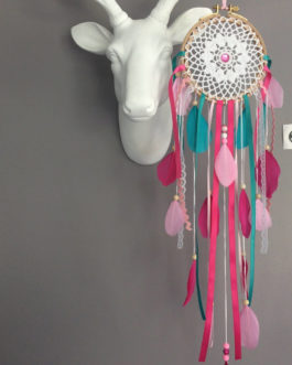 Attrape-rêves / dreamcatcher en dentelle et plumes en rose poudré, fuschia et turquoise