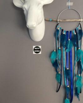 Attrape-rêves dreamcatcher en bois flotté dans des tons de bleu marine, turquoise – dreamcatcher