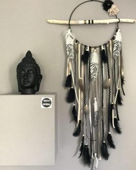 Attrape-rêves en bois flotté, plumes de pintade et perles bois coloris noir, beige,  et taupe  – diamètre 25 cm