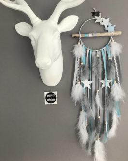 Attrape reves Dreamcatcher en bois flotté, coloris bleu, gris et blanc avec étoiles