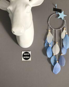 Mini Dream catcher, coloris bleu ciel et blanc avec etoile