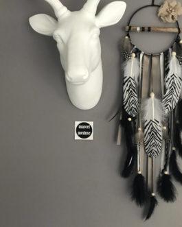 Attrape-rêves / dreamcatcher en bois flotté et plumes zèbres