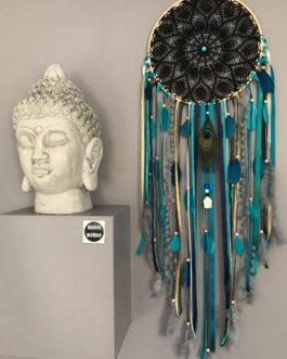 Grand Dream catcher en dentelle au crochet noire, coloris bleu canard, turquoise, doré et plumes de paon
