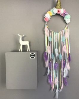 Attrape rêves Dreamcatcher licorne, coloris rose, jaune et mauve avec fleurs tissus – grande dimension