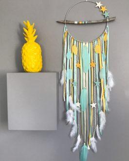 Attrape-rêves en bois flotté, etoiles et perles bois coloris mint, beige et jaune  – diamètre 25 cm