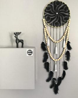 Attrape rêves Dreamcatcher en dentelle au crochet noire avec guirlandes de perles et pompons