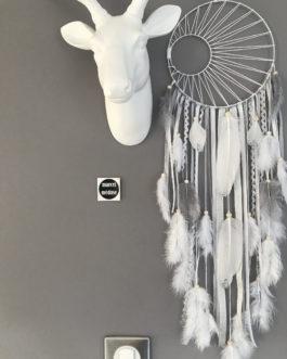 Attrape rêves Dreamcatcher tissage soleil noir, en coloris blanc, argenté et gris