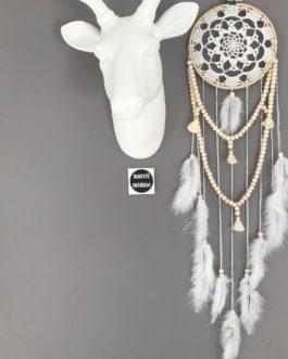 Attrape-rêves en dentelle avec guirlande de perles et pompons – dreamcatcher / piège à rêves