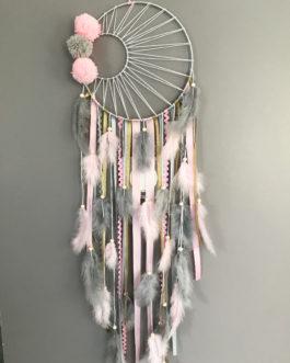 Attrape reves Dreamcatcher tissage soleil noir, en coloris rose poudré, doré et gris avec pompons