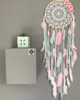 Grand Attrape-rêves Dreamcatcher en dentelle au crochet, coloris rose poudré, mint et blanc