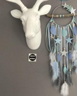 Attrape-rêves Dream catcher en bois flotté, coloris gris, blanc, mint et bleu pastel avec étoiles