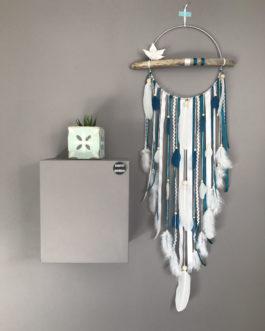 Attrape rêves Dream catcher en bois flotté coloris bleu canard et blanc avec fleur en origami – diamètre 25