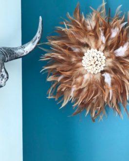 Jujuhat / juju hat handmade en plumes naturelles 35 cm de diamètre – coloris fauve et blanc