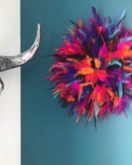 Jujuhat / juju hat handmade en plumes 30 cm de diamètre – coloris multicolore