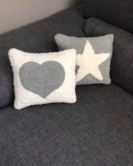 EN STOCK Lot de 2 minis coussins punch needle coeur et étoile- piece unique
