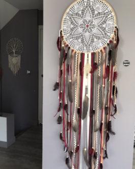 Attrape-rêves / dreamcatcher en dentelle, plumes et perles bois coloris automne