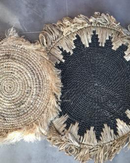 Décoration en paille noir et naturel