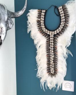 Collier papou en plumes naturelles et coquillage Modèle Olio