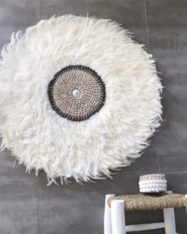 GÉANT 90 cm de diamètre Juju Hat jujuhat balinais en plumes naturelles avec centre en coquillages diamètre 90 cm coloris écru