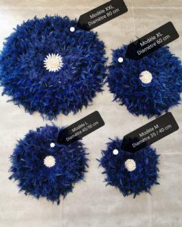 A Jujuhat / juju hat en plumes 50 cm de diamètre Taille L – coloris bleu nuit (navy) avec centre coquillages