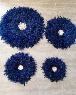Jujuhat / juju hat XL en plumes 60 cm de diamètre – coloris navy bleu marine avec centre coquillages