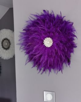 EN STOCK Jujuhat / juju hat en plumes 45 cm de diamètre – coloris violet avec centre coquillages