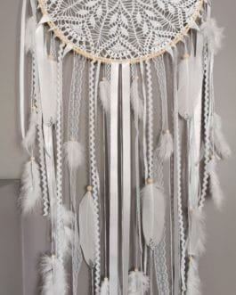 Attrape rêves / dreamcatcher / attrapeur de rêves dentelle coloris blanc et plumes paillettes