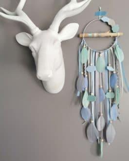 Attrape rêves / dreamcatcher / attrapeur de rêves bois flotté, coloris bleu ciel, mint et gris