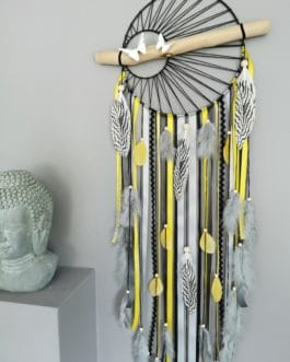 A Attrape-rêves Dreamcatcher 25 cm de diamètre coloris jaune vif, blanc, noir et gris anthracite