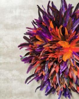A Jujuhat / juju hat XL en plumes 65 cm de diamètre – coloris multicolore avec centre coquillages