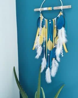 Attrape rêves / dreamcatcher / attrapeur de rêves bois flotté, coloris bleu canard, moutarde et blanc