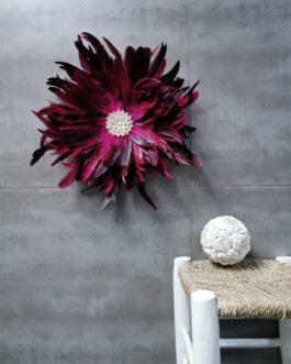 A Jujuhat / juju hat M en plumes 40 cm de diamètre – coloris rose fuschia et prune avec centre coquillages