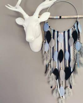 Attrape rêves / dreamcatcher / attrapeur de rêves bois flotté, coloris bleu nuit, gris et blanc avec étoiles 20 cm