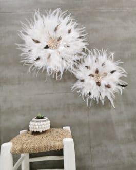A juju hat L coloris blanc pur avec touches de fauve et marron (diamètre 45 cm)