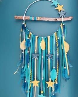 Attrape rêves / dreamcatcher / attrapeur de rêves bois flotté, coloris bleu canard, turquoise et moutarde avec étoiles